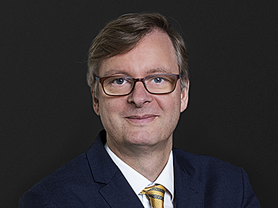 Peter Meyer, Simmons & Simmons, patent litigation, Bayer